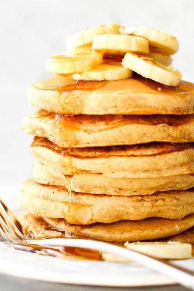 Fluffy Flourless Banana Oatmeal Pancakes are the BEST pancake recipe ever!