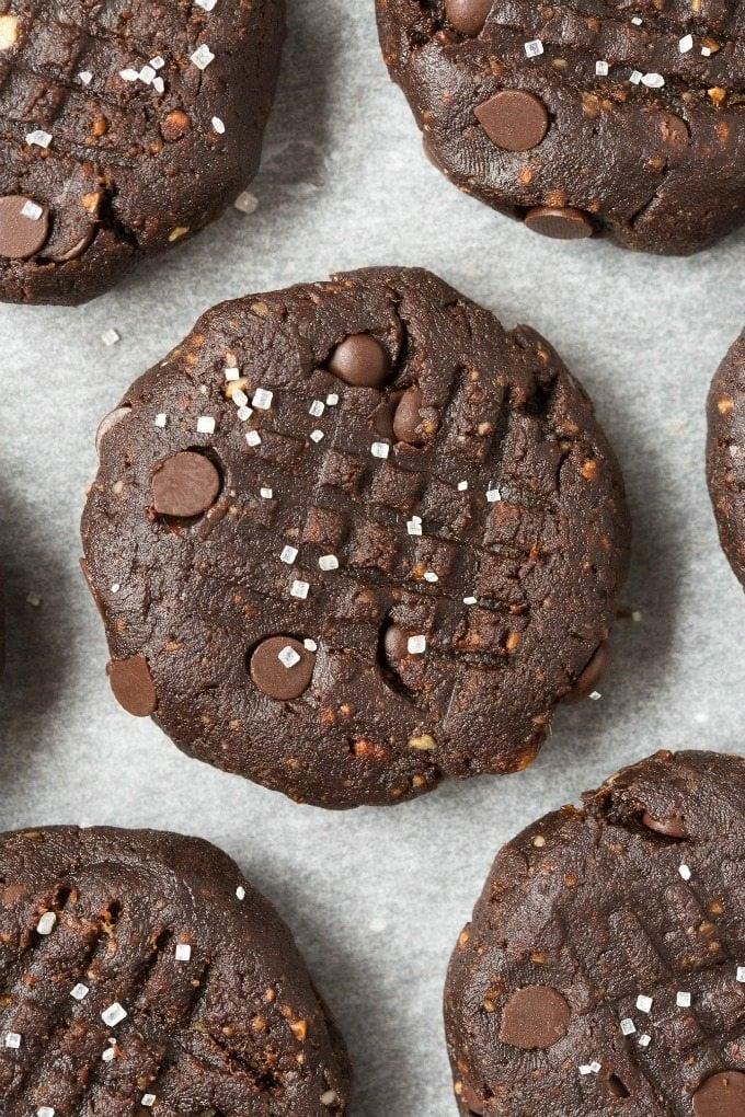 4 Ingredient No Bake Paleo Vegan Brownie Cookies