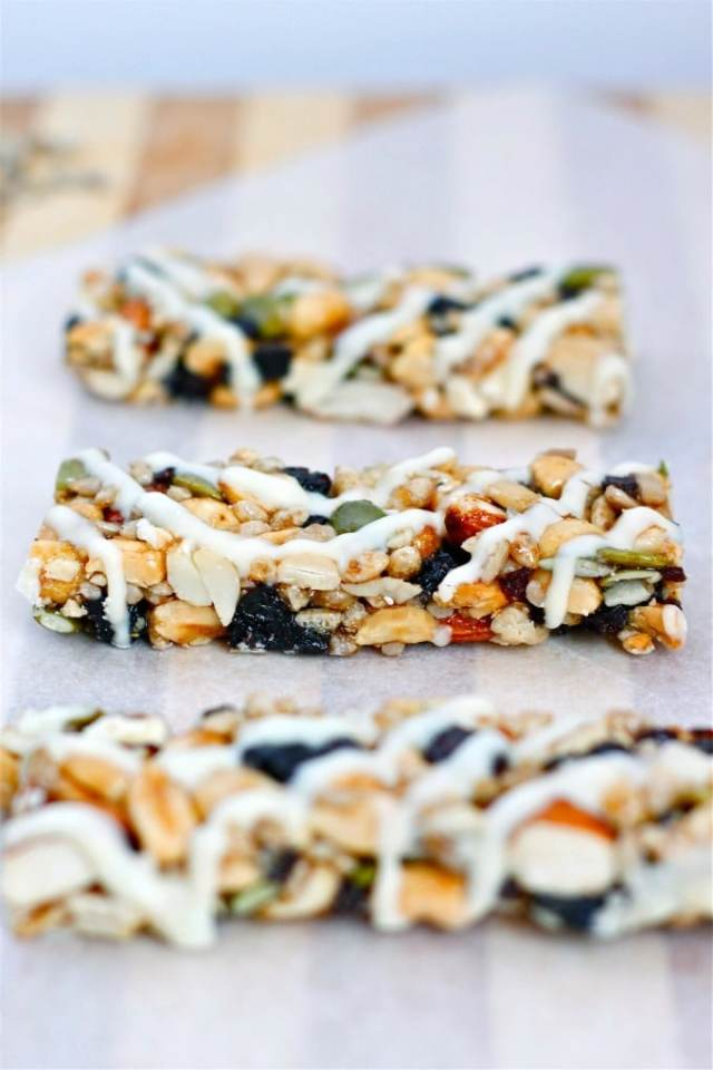 DIY Kind Bars are a healthy vegan and paleo snack ready in 15 minutes!