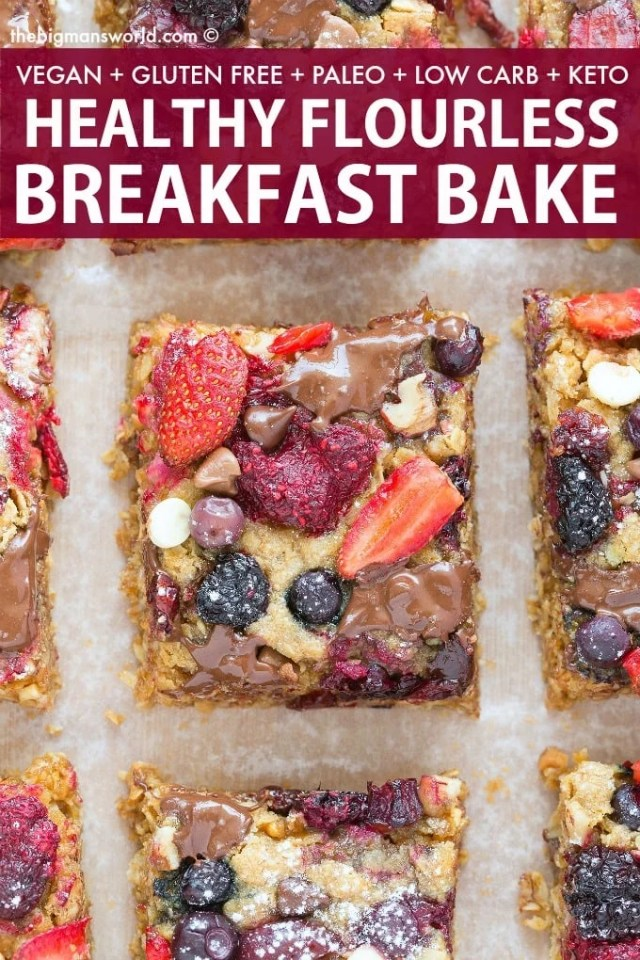 Easy soft baked oatmeal breakfast bake- a delicious breakfast casserole loaded with blueberries, strawberries and fruit!