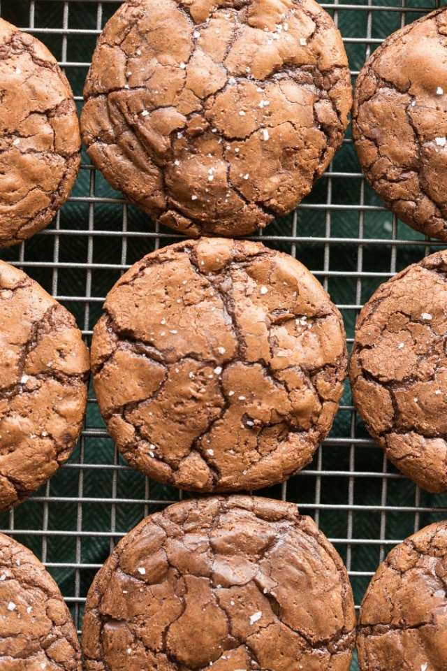 Easy and healthy flourless brownie cookies made without sugar- Keto, paleo, vegan