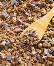 Easy homemade healthy chocolate granola recipe