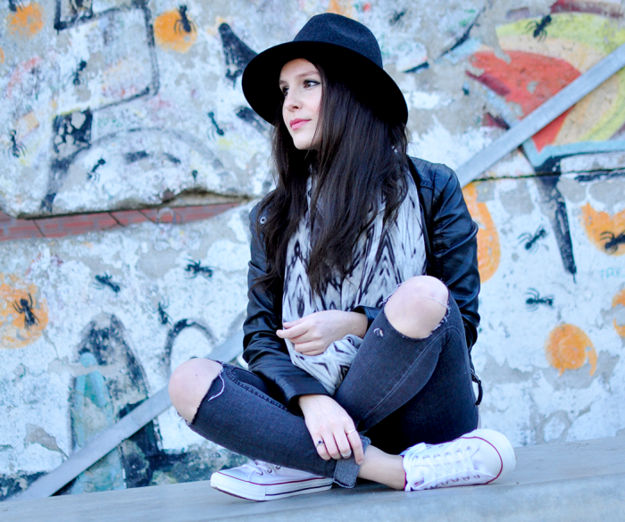Outfit Fedora Hat Berlin Wall II