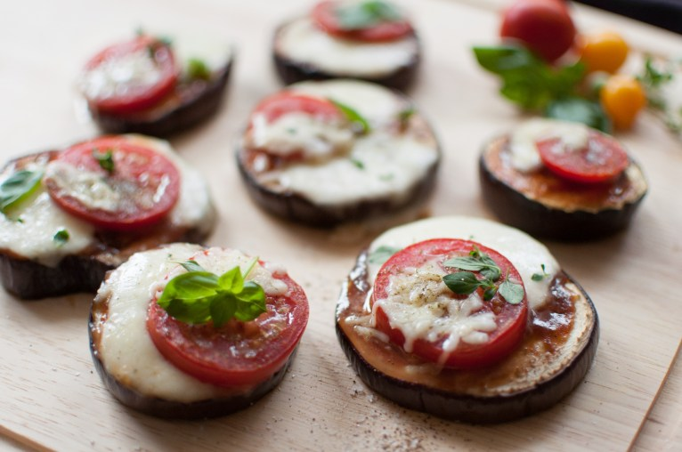 Low carb Pizza bites with eggplant Rezept Aubergine