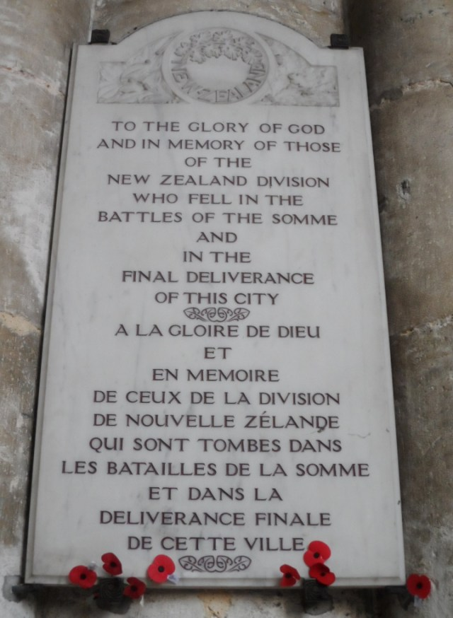 WWI_memorial_tablet_to_New_Zealand_forces_in_Amiens_Cathedral
