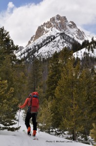 Skiing to Bench Lakes yurt, Sawtooth Mountains.