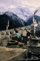 Prayer flags in Upper Pisang.