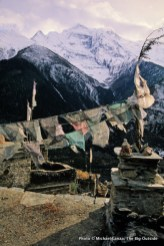 Prayer flags in Upper Pisang.