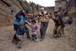 Children in Upper Pisang.