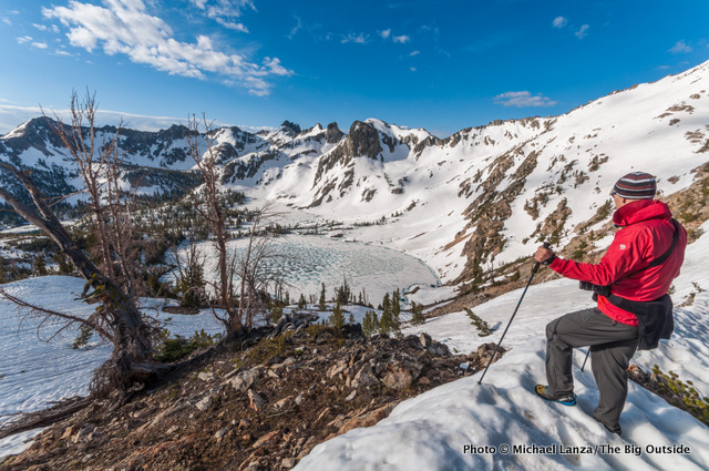 Chip Roser above Twin Lakes at the Alice-Toxaway Divide, Sawtooth Mountains.