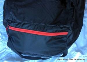 Mountain Hardwear Lightweight Expedition Duffel pocket