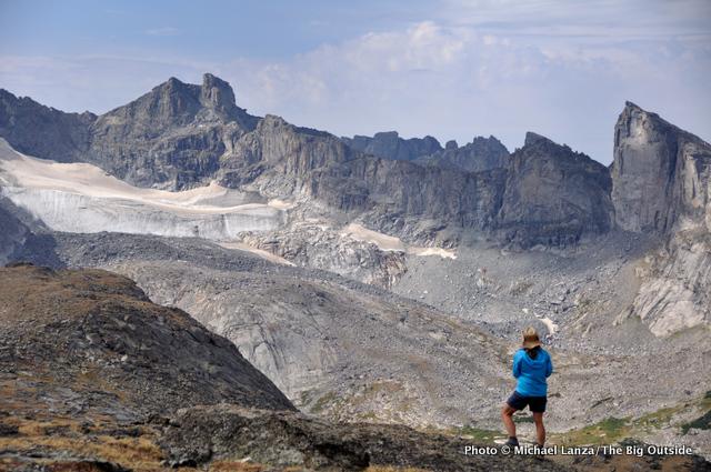 Shelli Johnson hiking across the Lizard Head Plateau, Wind River Range, Wyoming.