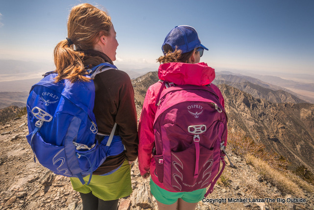 Hikers testing the Osprey Tempest 20 on Telescope Peak, Death Valley National Park.