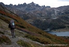 Hiking toward Laguna del Salto on the Dientes Circuit.