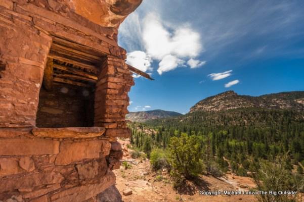 Ancestral Puebloan ruins, Woodenshoe Canyon, Dark Canyon Wilderness, Utah.