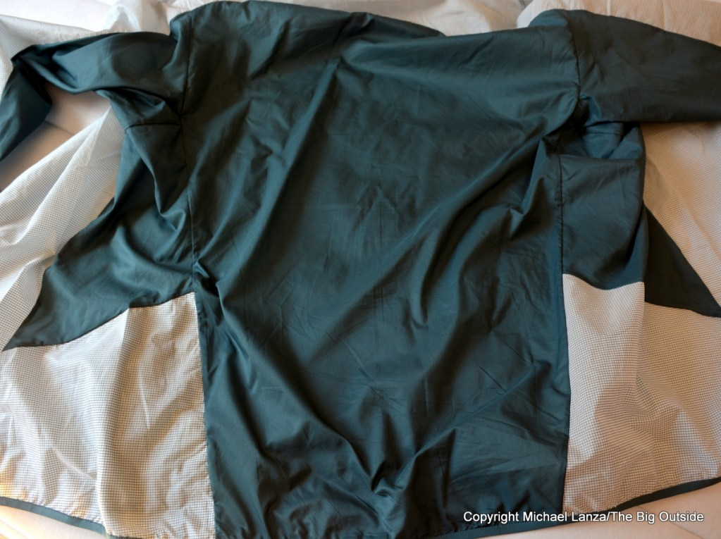 The Arc'teryx Incendo SL Jacket's back.