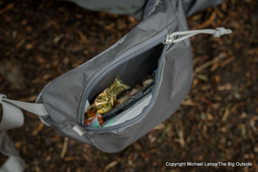 Gossamer Gear Mariposa 60 hipbelt pocket.