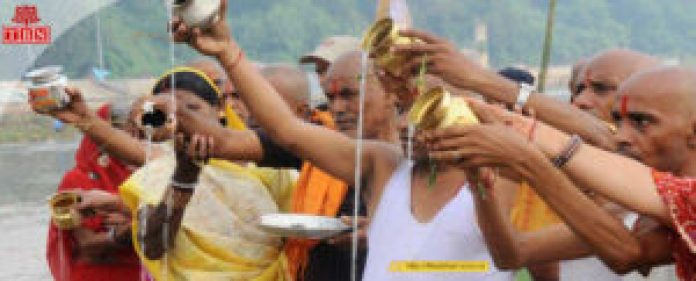 The ritual of Pind Daan at Phalgu River, Gaya | The Bihar News