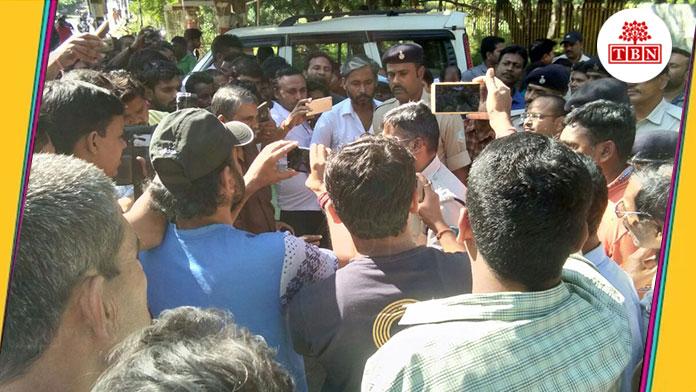 SSP's-Singham-Avtar,-AK-47-took-barefoot-walk-the-bihar-news