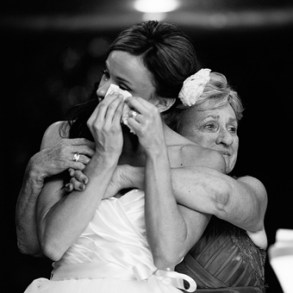bride-with-mother