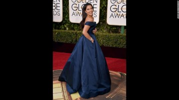 160110183221-golden-globes-red-carpet-2016---gina-rodriguez-super-169