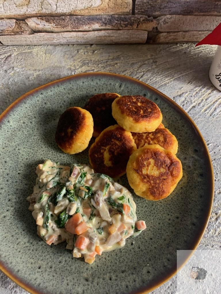 Kartoffeltaler mit Frischkäse-Gemüse Sosse
