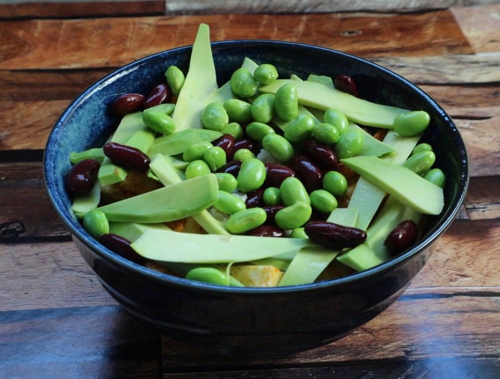 Green Bowl mit Edamame