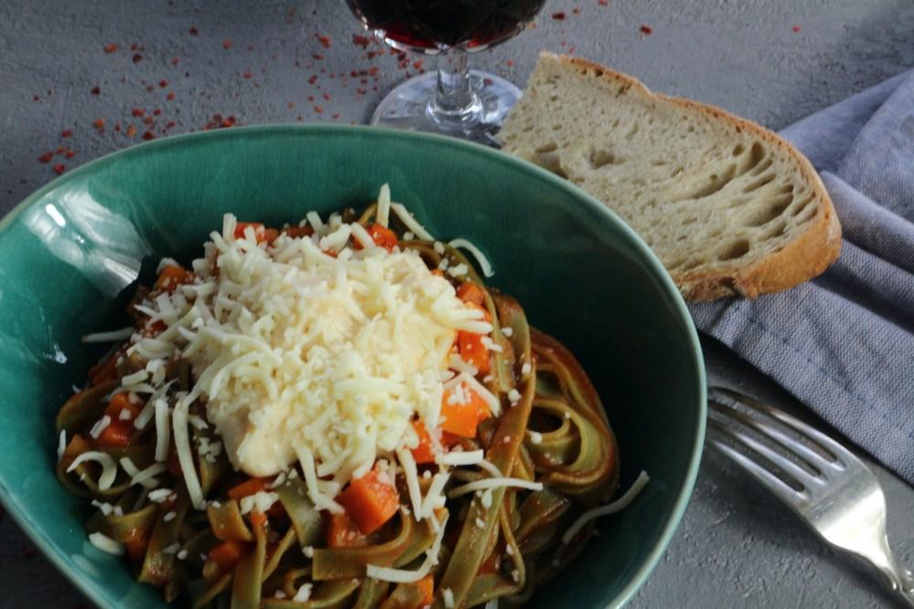 Pasta mit Veggie Bolognese