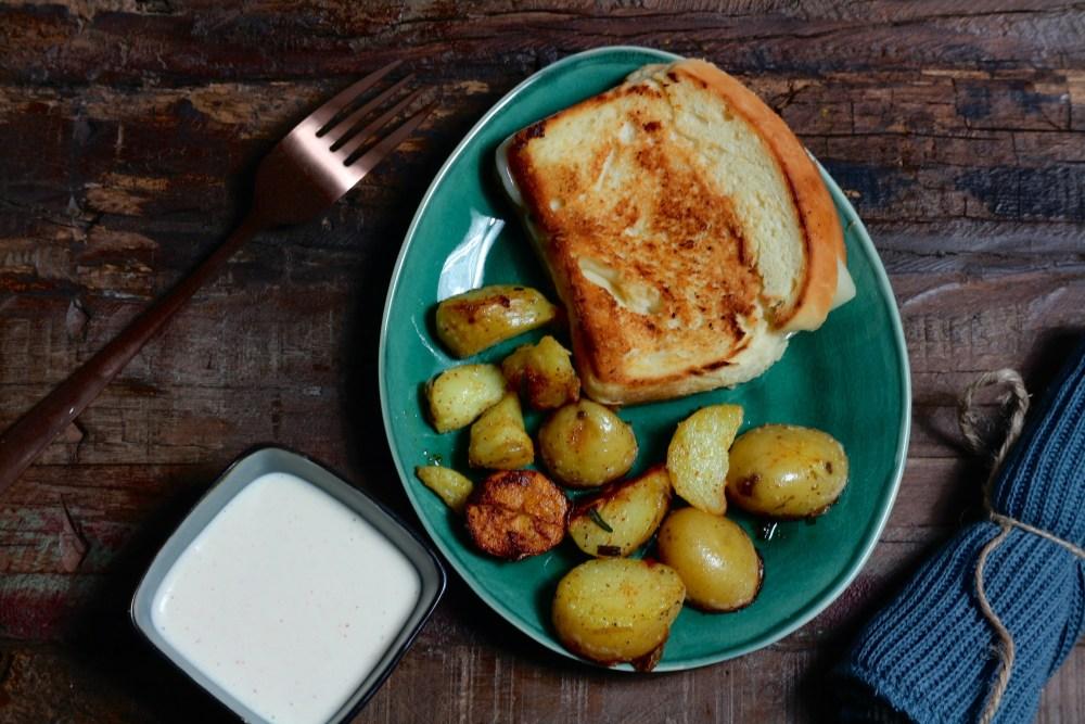 Rosmarinkartoffeln, Aioli und Grilled Cheese
