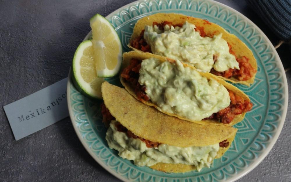 Tacos mit Chili und Tomatenreis