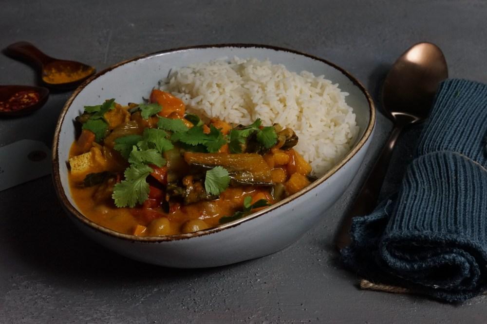 Curry mit Mangold und Tofu