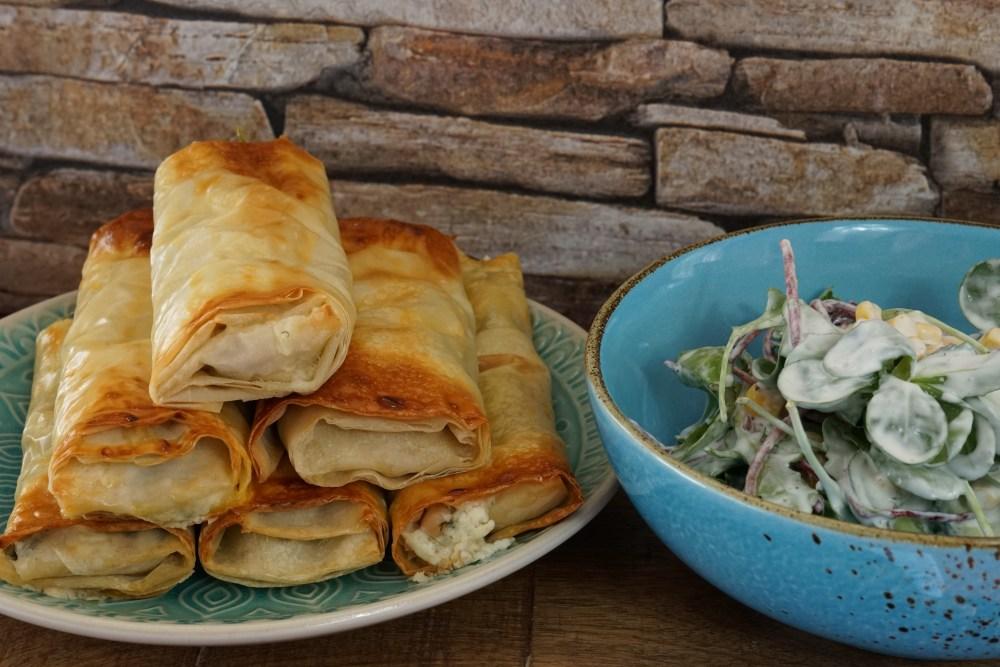 Knusperstangen mit Feta, Spinat und weißen Bohnen
