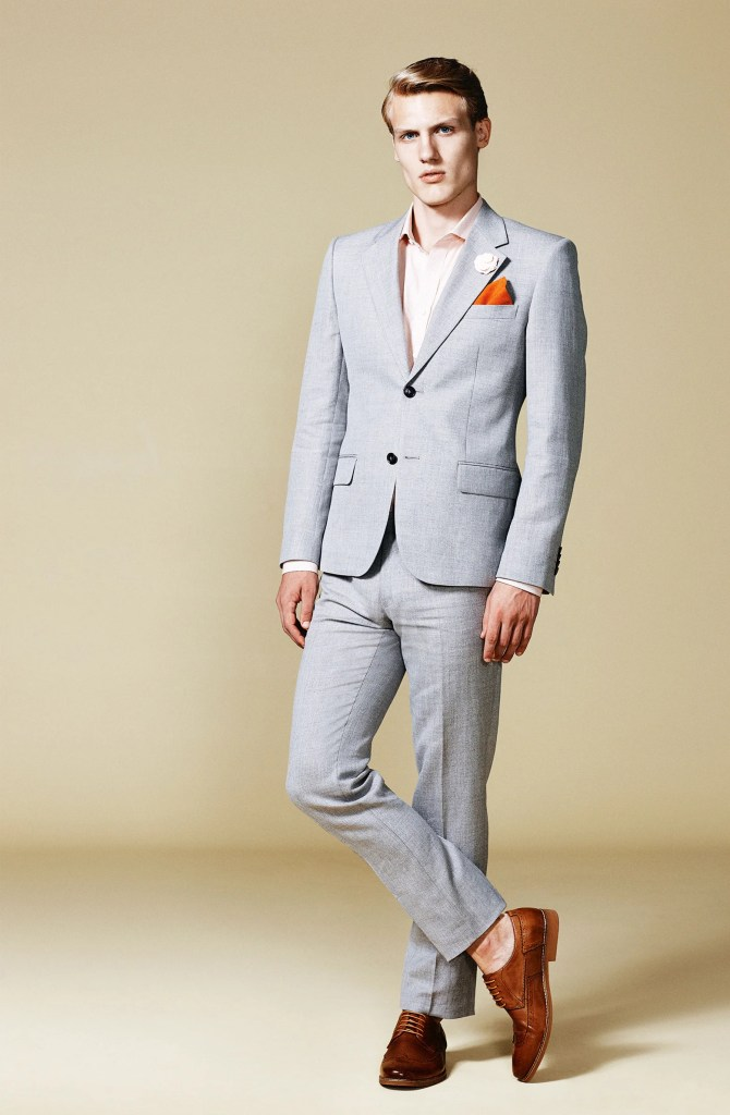 Types of mens dress and trouser socks. Comfort and personal preference are the two key factors to consider when choosing sock fabrics. All-natural fabrics like cotton are popular options but socks made of blends of natural and synthetic fabrics are more flexible and better at keeping your feet dry.