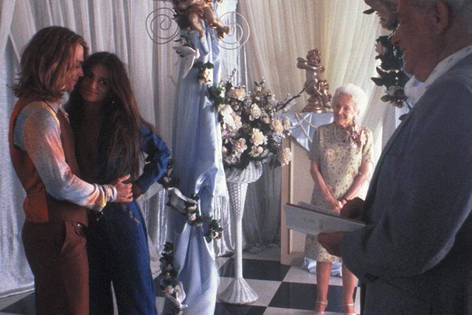 Johnny Depp and Penelope Cruz get married in chapel in Blow.
