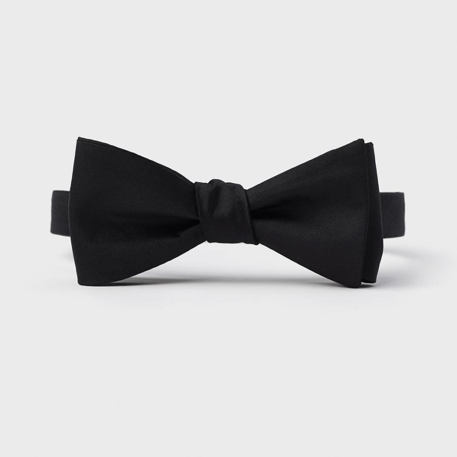 black tie wedding bow tie