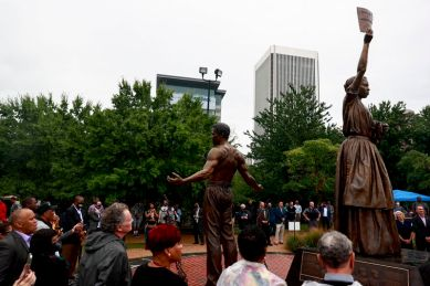 Emancipation monument unveiled in Richmod