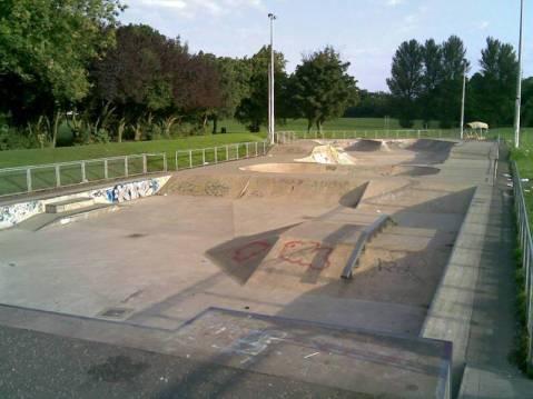 2009-blantyre-skatepark