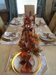 Thanksgiving Table Settings . Traditional Simple