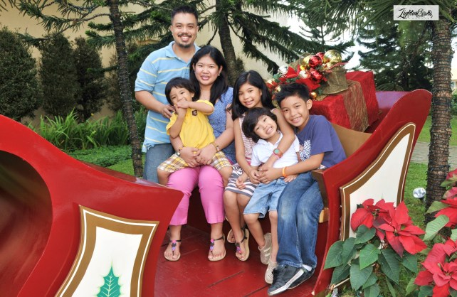 Family pictture @ Taal Vista Hotel