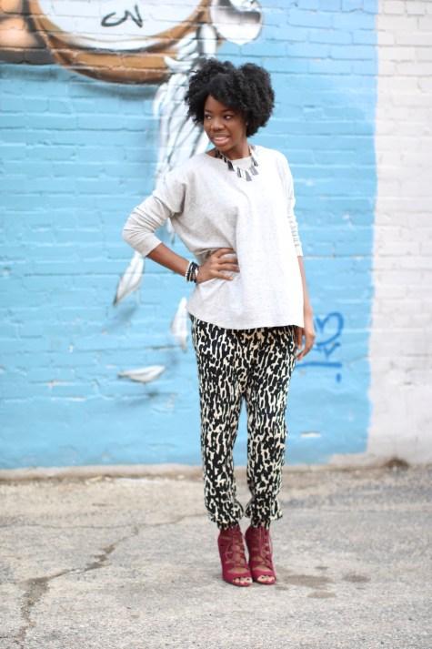 black and white, printed pants, jogger pants, blogger style, natural hair, natural hair blogger, pop of color, oxblood heels, oxblood, maroon heels, marsala, sweater, fall style, blogger fall style, brown girl blogger, fall heels, lace up heels