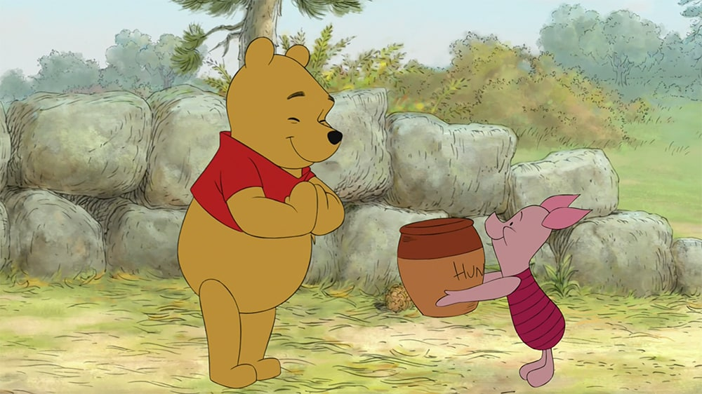 Winnie-the-Pooh-and-Piglet-Celebrating