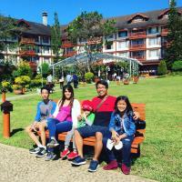 Family Summer Vacay @ The Manor CJH