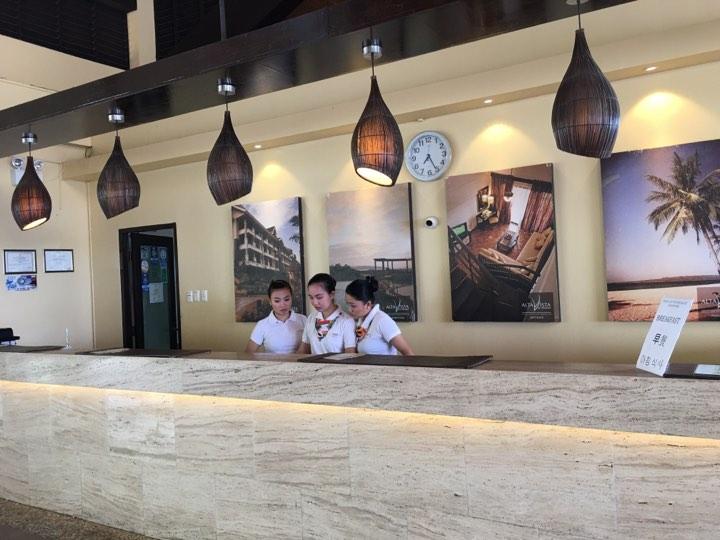 frontdesk staff atAlta Vista de Boracay during our Boracay 2019 vacation