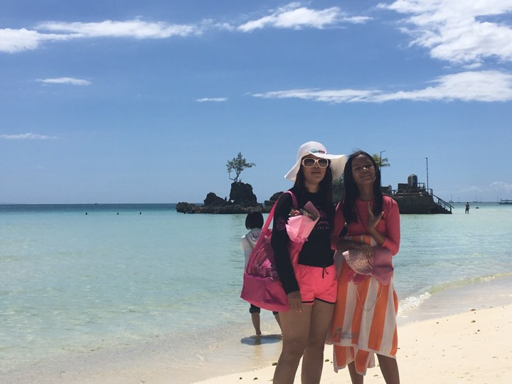 no island hopping anymore after the renewal of vows ceremony during our Boracay 2019 Day 2 vacation