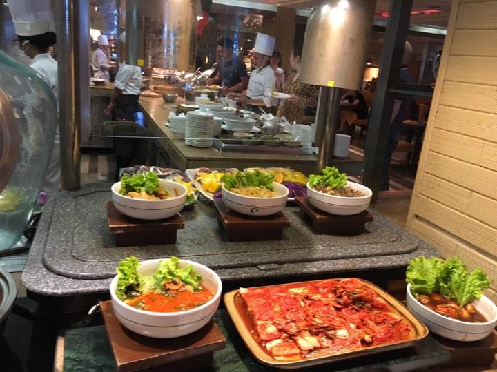 breakfast buffet at Cafe Ilang-Ilang Manila Hotel