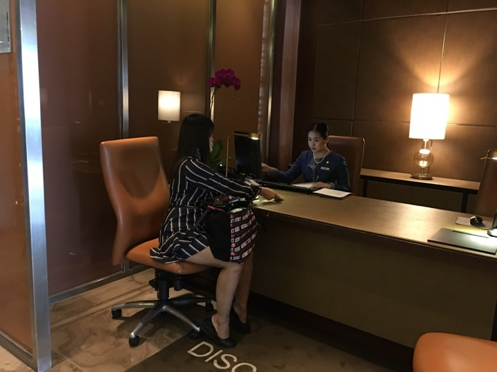 Check in at the Continental Club at Marco Polo Ortigas