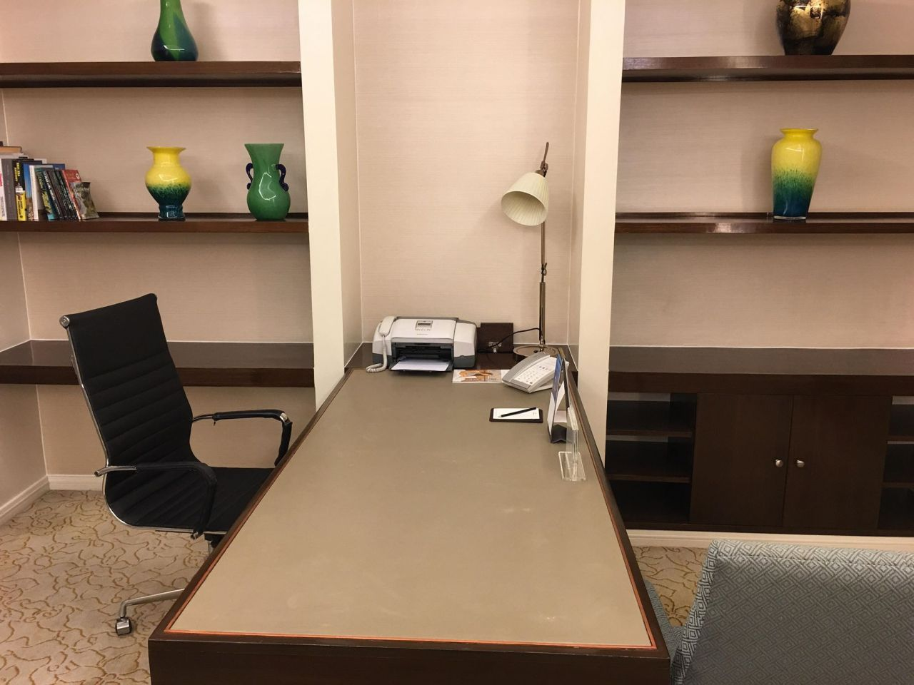 The executive office space at the EDSA Suite