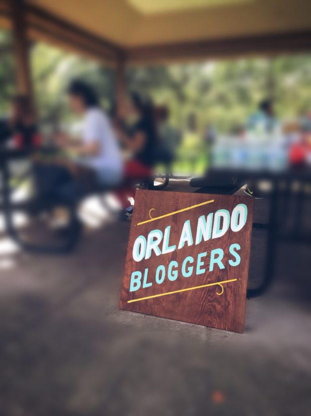 Orlando Bloggers Sign the blogger union orlando chapter meetup