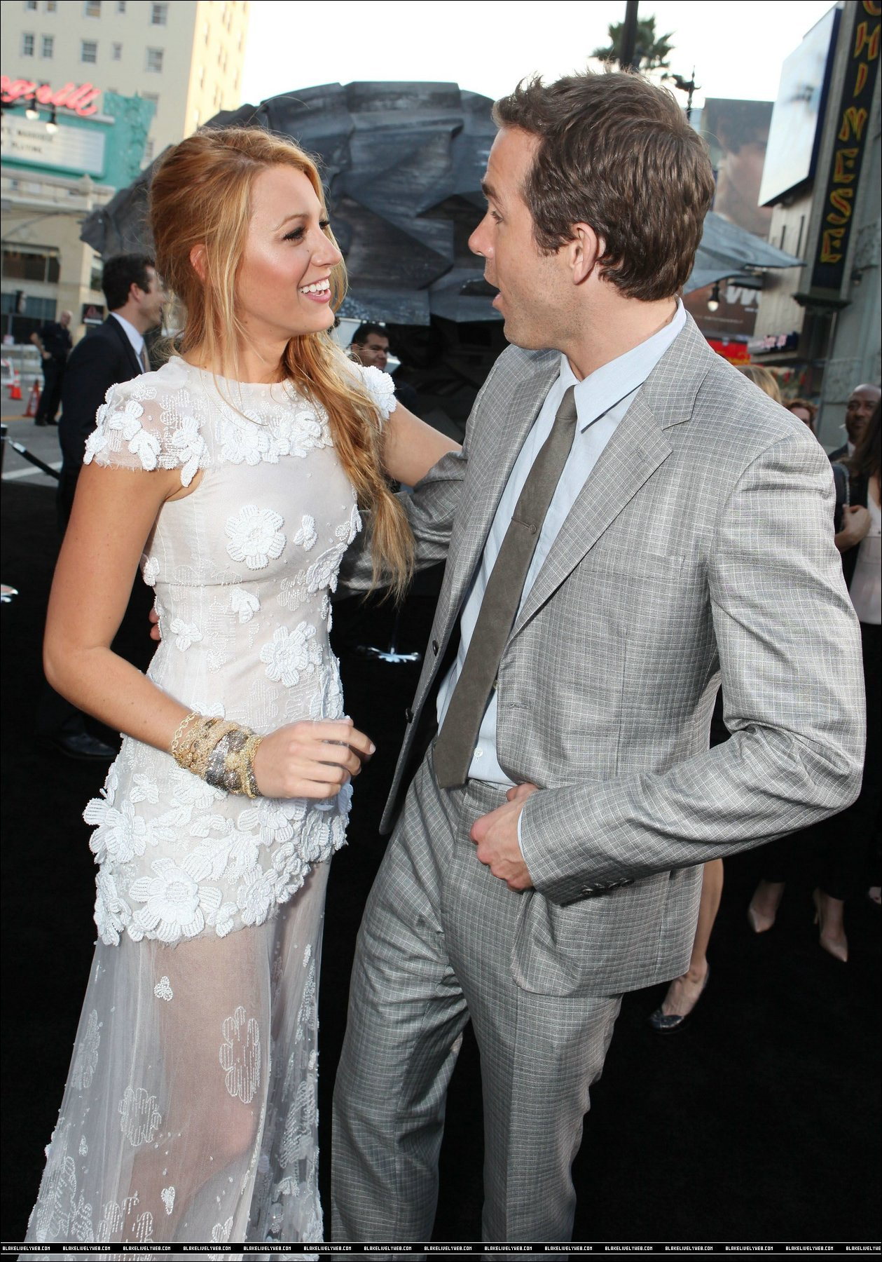 blake lively and ryan reynolds denying pregnancy reports