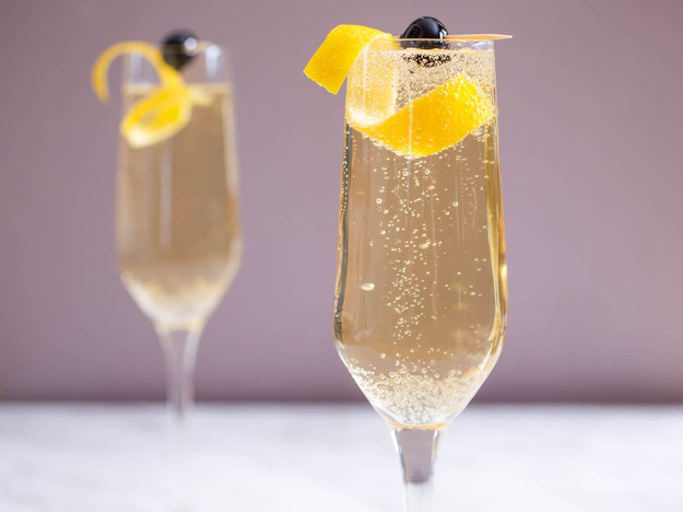 French 75 Cocktail with Champagne and Vodka